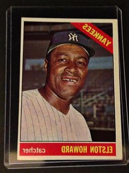 1966 Topps #405 New York Yankees Elston Howard - In Hard Pro