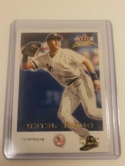 2001 Fleer Focus Derek Jeter card no.1 New York Yankees in p