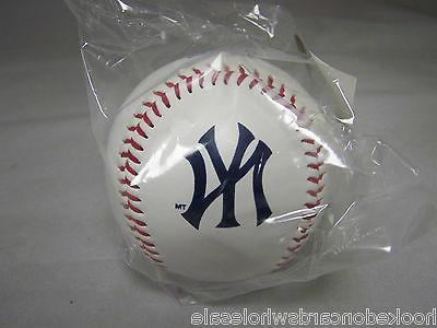 1 new york yankees team logo ball