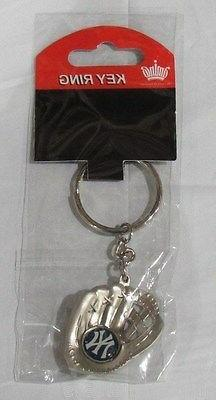 MLB Chrome Glove With Logo in Palm Key Chain New York Yankee