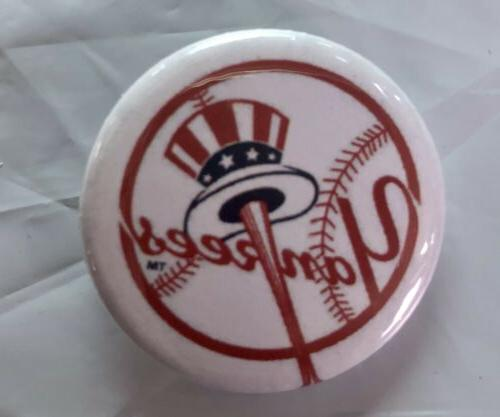 New York Pins Set Of 2