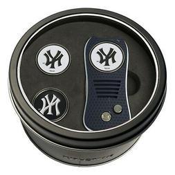 MLB New York Yankees Golf Switchblade Divot Tool and 3 Ball