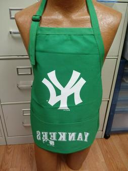 MLB NEW YORK YANKEES LARGE APRON GREEN NEW NWOT!