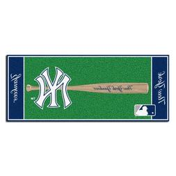 FANMATS MLB New York Yankees Nylon Face Football Field Runne