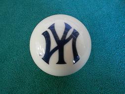 NEW! MLB New York Yankees Collector White Pool / Billiard Cu