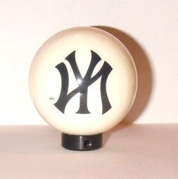 New York Yankees Billiard 8 Ball Cue Pool