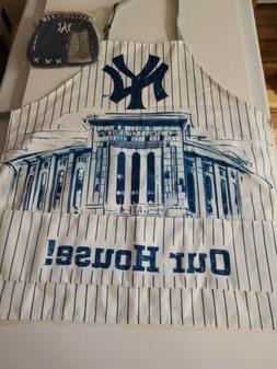 New York  Yankees Chef Apron & Oven Mitt 2 piece set MLB