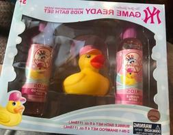 New York Yankees Game Ready Strawberry Scent Bath Set Girl P