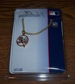 NEW YORK YANKEES GOLD NECKLACE BRAND NEW