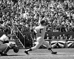 New York Yankees MICKEY MANTLE Glossy 8x10 Photo Baseball Sw