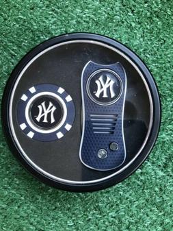 New York Yankees Switchblade Divot Tool + Golf Chip Tin Gift