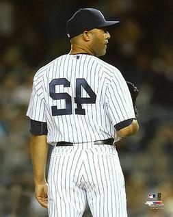 NY New York Yankees MARIANO RIVERA Glossy 8x10 Photo Basebal