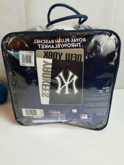 "Raschel Royal Plush Throw/Blanket 60""x 80"" New York Yankees"
