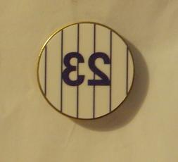 The New York Yankees #23 Don Mattingly Baseball Pin Lapel Pi